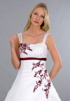Erkunde Weißes Brautkleid, Roten Stickereien und noch mehr!