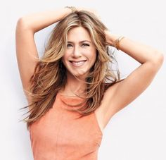 Here are the 6 beauty products Jennifer Aniston can't live without: http://trib.al/Jo51mwR