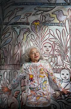 Mirka Mora Crones are Creative! Artist Mirka Mora at an Australian Living Treasure. At the click, an interview with many photos of the painter and her studio Artist Art, Artist At Work, Artist Life, Artist Painting, Kunst Der Aborigines, Studios D'art, Living Treasures, Street Art, Art Populaire