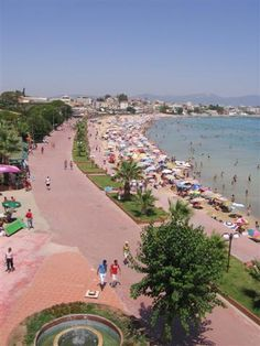 Altinkum Main Beach #didim  place to go shopping!!