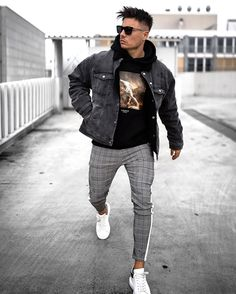 Skater Outfits, Tomboy Outfits, Cool Outfits, Checked Trousers Outfit, Grey Pants Outfit, Sneaker Trend, Puma Sneaker, Athleisure, Stylish Clothes