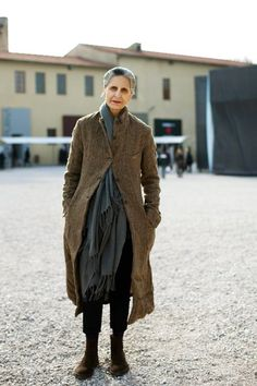 Her style.On the Street….Sand, Grey and Brown, Florence « The Sartorialist This coat appeals to my inner Whovian The Sartorialist, Fashion Over, Look Fashion, Womens Fashion, Dress Fashion, Street Fashion, Cardigan Fashion, 50 Fashion, Trendy Fashion