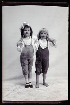 Hugh Mangum photographs - N408. From Duke Digital Collections. Collection: Hugh Mangum Photographs