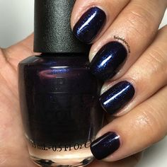 Cosmo with a Twist from the OPI Holiday 2015 Starlight Collection | Nailpolishpursuit.com
