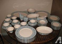 Beautiful 56 pieces fine china set - Franciscan - Del Rio-tiffany blue (blue diamond & jones)