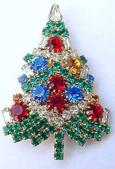 How I wish I had taken better care of the various Christmas tree pins I have had over the years. As costume jewelry, they are often taken for granted. Christmas Time, Vintage Christmas, Christmas Crafts, Christmas Buttons, Jeweled Christmas Trees, Xmas Tree, Jewelry Tree, Yoga Jewelry, Hippie Jewelry