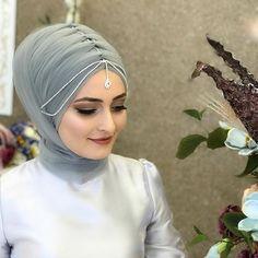 Bridal Hijab, Muslim Wedding Dresses, Pakistani Wedding Outfits, Wedding Hijab, Dress Wedding, Hijab Style Tutorial, Modest Fashion Hijab, Fashion Drawing Dresses, Muslim Women Fashion