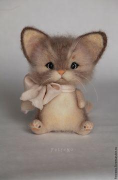 Купить Игрушка из войлока. Кошечка с бантом. - кошка, кошечка, кот, Кошки, игрушка из войлока