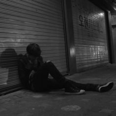 Bad Boy Aesthetic, Night Aesthetic, Character Aesthetic, White Aesthetic, Dark Photography, Artistic Photography, Syria Pictures, Black And White Wallpaper Iphone, Profile Picture Images