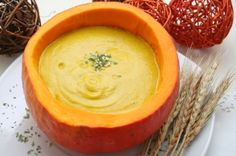 Colorful Carrot Pumpkin Soup is as unforgettable to the eyes as it is to the taste buds. Use this easy pumpkin soup recipe to make a delicious and satisfying autumn meal. Pumpkin Soup, Pumpkin Recipes, Lunch Recipes, Healthy Recipes, Delicious Recipes, Healthy Food, Winter Dishes, Halloween Dinner, Happy Halloween