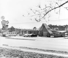 Doug Broome's drive-in on Main Street [photograph] : frontal view / Kent…