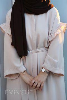 Modest Fashion Hijab, Casual Hijab Outfit, Abaya Fashion, Muslim Fashion, Modest Outfits, Fashion Dresses, Dubai Fashion, All Fashion, Mode Hijab