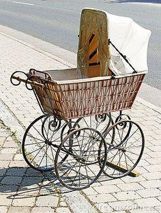 vintage baby carriage   Antique Wicker Baby Carriage by Convisum, via ...   Vintage Prams!