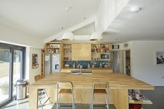 pH+ architects converts an apple packing station in the UK into a modern family home