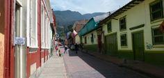 Kolumbiens Hauptstadt: Ein Moloch putzt sich heraus Latin America, Colombia, Old Town, Vacations, Viajes