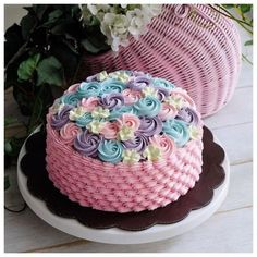 Cakes and Cupcakes Gorgeous Cakes, Pretty Cakes, Cute Cakes, Amazing Cakes, Cake Icing, Buttercream Cake, Cupcake Cakes, Buttercream Flowers, Cake Decorating Tips