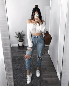 Sexy Look Fashion Style Outfit Teen Fashion Outfits, Denim Fashion, Outfits For Teens, 90s Fashion, Fall Outfits, Summer Outfits, Celebrities Fashion, Fashion Styles, Runway Fashion