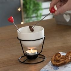 Hearts Mini Chocolate Fondue Set (4 Pieces)