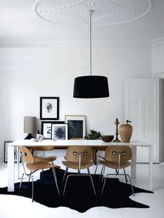 Dining room furniture ideas that are going to be one of the best dining room design sets of the year! Get inspired by these dining room lighting and furniture ideas! Home Interior, Interior Architecture, Interior Decorating, Decorating Ideas, Interior Ideas, Minimal Architecture, Danish Interior, Apartments Decorating, Nordic Interior