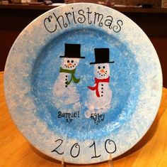 Christmas Arts And Crafts, Christmas Plates, Christmas Projects, Christmas Holidays, Christmas Ornaments, Baby Crafts, Crafts For Kids, Keepsake Crafts, Footprint Crafts