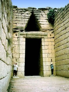 """) Entrance to one of the royal tholos (or """"beehive"""") tombs at ancient Mycenae, Greece © Judith Sylte, 1998 Ancient Troy, Ancient Ruins, Ancient Greece, Mycenaean, Minoan, Greek History, Ancient History, Ancient Architecture, Art And Architecture"""