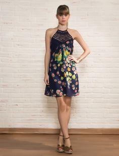 Vestido Floral Decote de Renda
