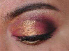 Pink, Purple and foiled gold. Gold Makeup Looks, Neutral Makeup Look, Glam Makeup, Makeup Art, Eye Makeup, Beauty Makeup, Maroon Hair, Brown Eyeshadow, Painted Nail Art