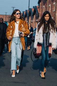 Street style at Fashion Week fall-winter 2017-2018 in Milan