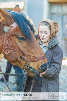 Even the horses have beautiful costumes! Outlander set in Culross.