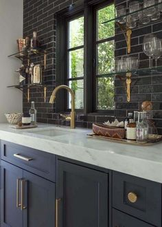 Dark, light, oak, maple, cherry cabinetry and distressed wood kitchen cabinet doors. CHECK THE PIC for Many Wood Kitchen Cabinets. Navy Kitchen Cabinets, Kitchen Cabinet Colors, Kitchen Backsplash, Dark Cabinets, Backsplash Ideas, Backsplash Design, Kitchen Countertops, Pantry Cabinets, Kitchen Walls