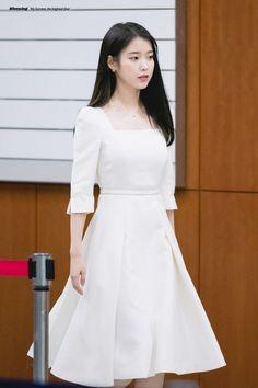 Elegant White Dress, Cute White Dress, Girls White Dress, Classy Dress, Korean Fashion Dress, Korean Dress, Kpop Fashion Outfits, Fashion Dresses, Pretty Outfits