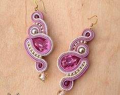 Imagen relacionada Pink Earrings, Clay Earrings, Dangle Earrings, Soutache Pendant, Soutache Necklace, Shibori, Fabric Jewelry, Beaded Jewelry, Handmade Necklaces
