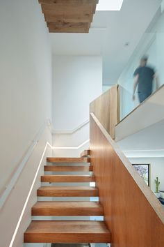 IwamotoScott Architecture have designed this new modern house on a steep street in the Noe Valley neighborhood of San Francisco. Wood Stairs, House Stairs, Minimalist Architecture, Architecture Details, New Modern House, San Francisco Houses, Stair Lighting, Light Building, Built In Bench