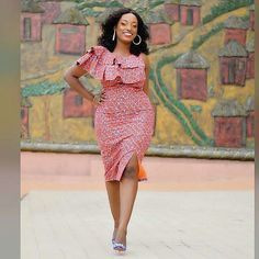 Hey Guys, We want you to take seat and watch these Ankara styles that are too dapper for you to ignore. We can tell you that these Ankara styles are creative, classy and exciting to have. African Fashion Designers, African Inspired Fashion, African Print Fashion, Africa Fashion, Ghana Fashion, Women's Fashion, African Print Dresses, African Fashion Dresses, African Dress