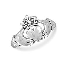 Claddagh Ring - Traditional Irish Sterling Silver Both Meaningful and Beautiful Wedding Ring. #Wedding #WeddingRings #Ring