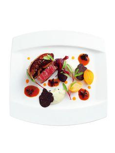 『ヒルトン東京 』 国産牛の ロッシーニ、 マデラソース、 マッシュポテトに トリュフを 添えて