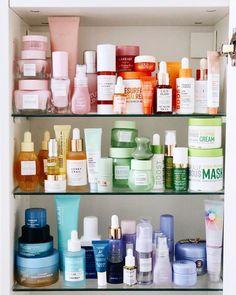 Beauty Care, Beauty Skin, Beauty Makeup, New Eyeshadow Palettes, Skin Routine, Skincare Routine, Shelfie, Makeup Organization, Bathroom Organization