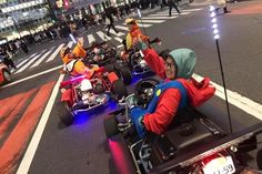 Do you want to enjoy cosplay and driving at the same time? The Maricar Go-Kart is the best choice for you! Put on your favorite superhero or video game costume, and drive around Tokyo to make the Real Life Super Heroes Go-karting come true!