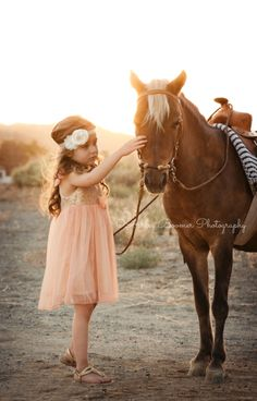 Ashley Boomer Photography | Little girl with pony | Toddler outdoor photography