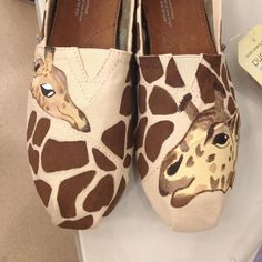 Giraffe/TOMS Disney World, Downtown Disney, Curl Artist: iliya