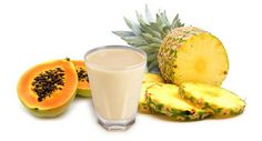 papaya-pineapple-smoothie5 Diet And Nutrition, Fitness Nutrition, Detox Shakes, Some Recipe, Protein Shakes, Healthy Drinks, Quinoa, Glass Of Milk, Pineapple