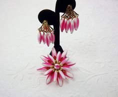 Art Glass Pink Variegated Bead Brooch Art Glass by STLvintage