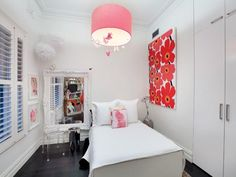 Crisp and clean small bedroom for a teen girl.  Such and easy and stylish design.