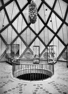 "Bruno Taut, The Glass Pavilion interior, Cologne Deutscher Werkbund Exhibition, Werkbund : ""Réconcilier l'art et la machine"" Dynamic Architecture, Contemporary Architecture, Architecture Details, Bruno Taut, Pavillion, Round Building, Glass Pavilion, Unusual Buildings, Walter Gropius"