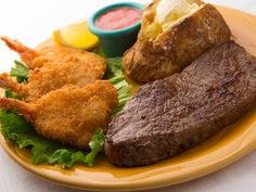 NEW USDA Choice Sirloin Steak and Shrimp | 7 oz. Sirloin Steak and 3 pieces of crispy golden fried shrimp served with a cup of soup or a Kings house salad, vegetable and choice of baked potato, French fries or mashed potatoes.