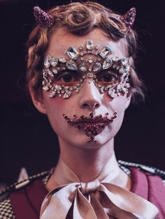 Full-face crystals, lace masks and Mad Max inspired war paint: this season, designers took make-up to another level Ss16, Cool Face, Manado, Creative Makeup, Fashion Face Mask, Undercover, Makeup Inspiration, Fashion Inspiration, High Fashion