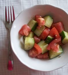 Kidsumers — Summer Salad Recipe: Cucumber and Tomato Salad
