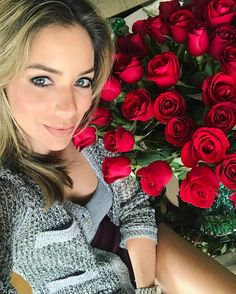Ganhar flores é uma delícia mas flores dele em comemoração dos nossos 2 anos juntos é demais!