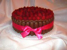 Svieža malinová torta
