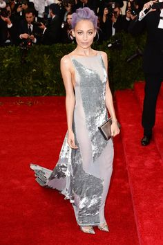 Nicole Richie wore a bespoke Donna Karan Atelier dress.